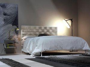 Intreccio, Lit en métal, un motif tissé de tête de lit rembourrée