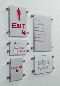 Koala-t wall, Système d'exposants dans différents formats, pour les environnements publics
