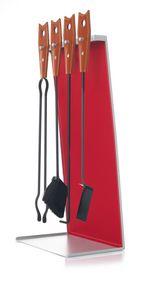 Bek Lux, Boîte à outils en acier et cuir avec coutures visibles