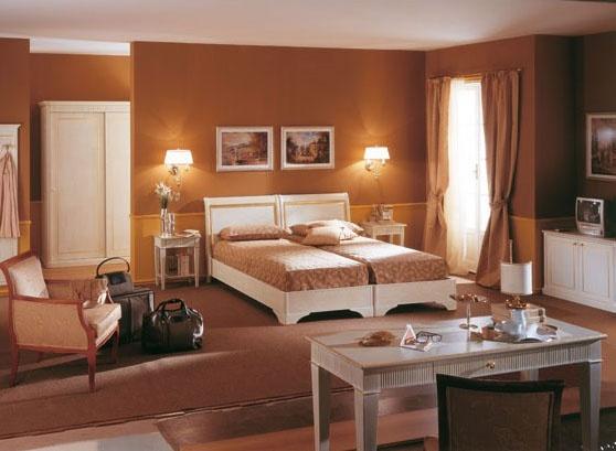 Collezione Este, Meubles de salle de Hôtel, finition blanc brossé, décorations de feuilles d'or
