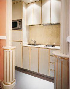 Hotel Residence Romana Kitchen, Cuisine sur mesure pour les résidences, fait de bois clair décoré