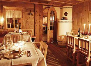 Wood room, Mobilier pour les hôtels de style rustique, fait sur mesure