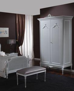 3650 armoire, Armoire de style Louis XVI