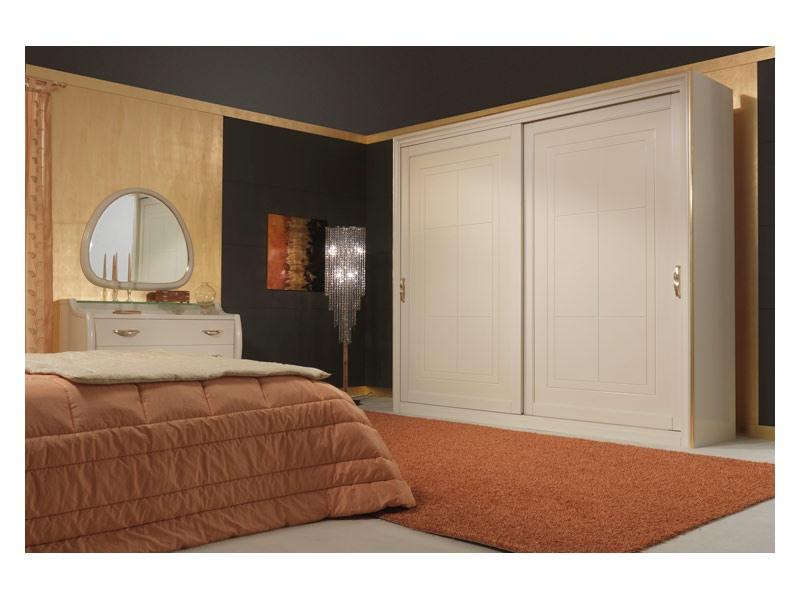 Art. 2010-I Wardrobe, Armoire à portes coulissantes, détails de feuilles d'or
