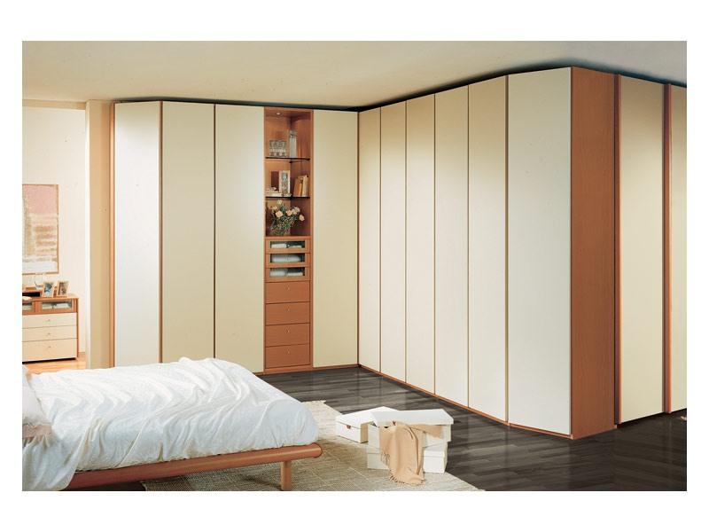 Wardrobe 26, Spacieuse armoire d'angle pour chambre à coucher, des éléments visibles, aux portes d'ivoire laqué