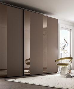 PARIGINO, Armoire avec bande de verre décorative