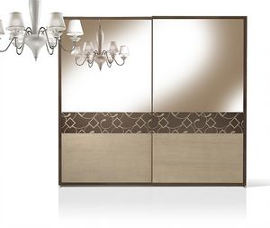 ST 716/S, Armoire avec portes en noyer recouvertes avec miroir