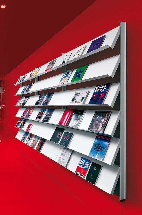 Big wall unit with floor support, Bibliothèques étagère pour les bureaux et l'utilisation du contrat