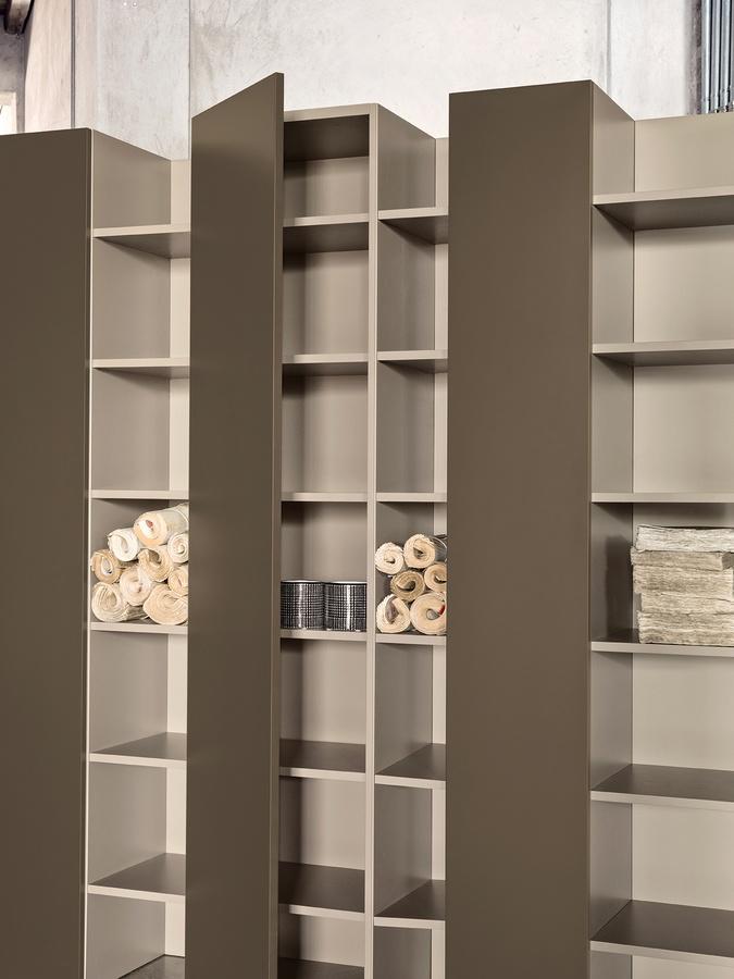 CODE comp.01, Bibliothèque précieuse, avec des portes, des hôtels de luxe