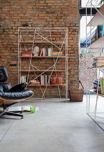 NAVIGLIO, Bibliothèque en tige laqué et verre, pour le bureau moderne