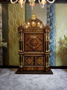 5831, Cabinet en bois d'acajou avec incrustations riches