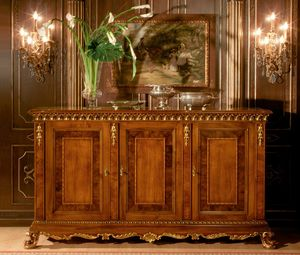 Art. 1058, Enfilade 3 portes, finitions or, style classique