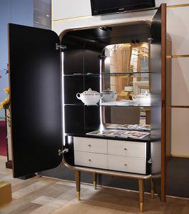 Bent cabinet, Cabinet avec tiroirs et étagères internes