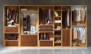 AR26 Desyo, Dressing avec des cintres, des tiroirs et des étagères