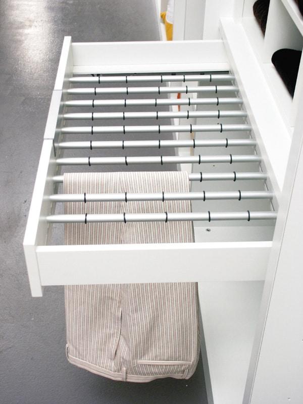 ATLANTE dressing comp.02, Dressing avec des étagères et des portes en verre