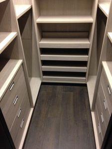 Vestiaire 03, Cabine vestiaire personnalisable, avec des étagères
