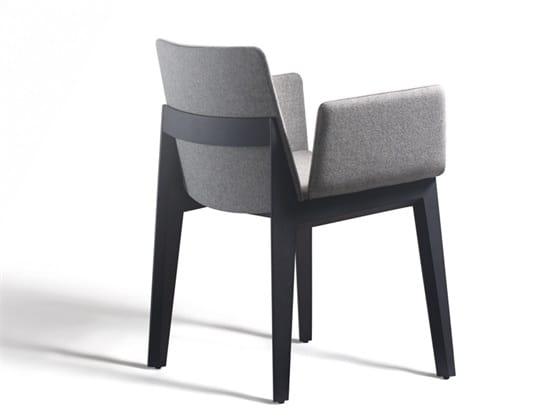 Ava 646N, Chaise rembourrée avec accoudoirs, pour restaurants et bars