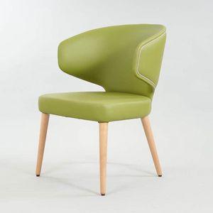 BS557A - Chaise, Chaise enveloppante avec accoudoirs