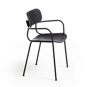 Kiyumi Wood AR, Chaise empilable avec accoudoirs