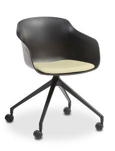 Dame UR, Chaise sur roulettes