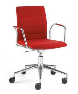 Q2 IM, Chaise pivotante sur roulettes, équipée d'une tablette écritoire
