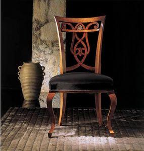 249S, Chaise en bois avec dossier décoré