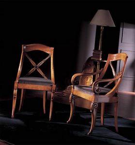 251S, Chaise en bois décoré