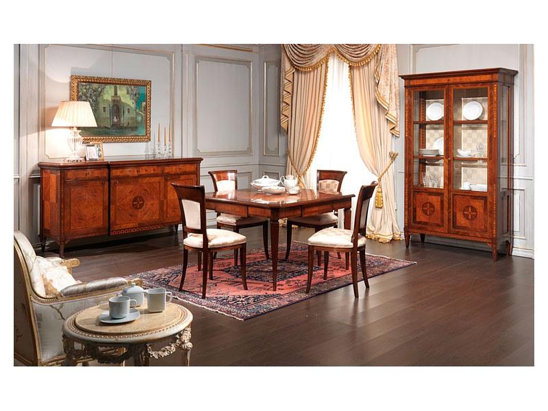 Art. 910 chair, Chaise classique, fini antique en bois, pour les cantines