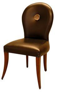 Saint Cloud VS.1254, Chaise rembourrée avec rosace centrale, dans un style classique