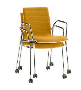 Q2 WIM, Chaise empilable sur roulettes, équipée d'une tablette écritoire