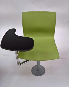 WEBBY 340/F with table, Chaise pivotante réglable en hauteur pour les salles de classe