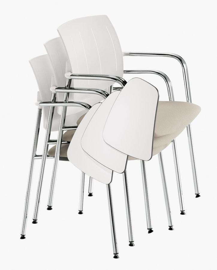 Q44, Chaises empilables avec table anti-panique