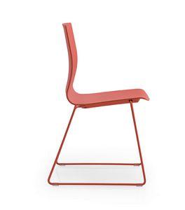 Q3, Chaise avec piètement luge, coque en polypropylène