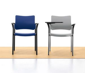 Urban Plastic 02, Chaise empilable en métal et polypropylène, pour salle de réunion