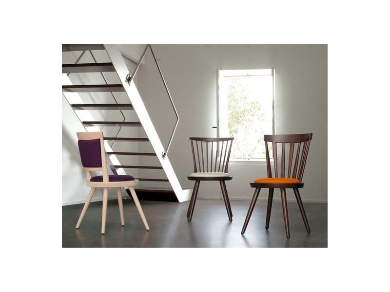 Isolda-S1, Chaise avec dossier à lattes verticales