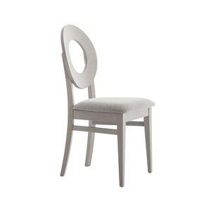 MP47U, Chaise en bois avec dossier arrondi troué