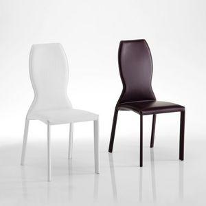 Kimora, Chaise en cuir, avec dossier en forme, idéale pour les salles à manger élégantes