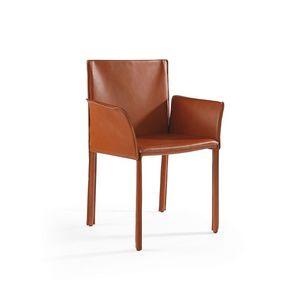 Yuta BR, Chaise entièrement recouvert de cuir