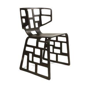 Olè, Chaise design avec des formes originales, coquille foré