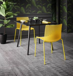 Fuller, Chaise sophistiquée en plastique et métal