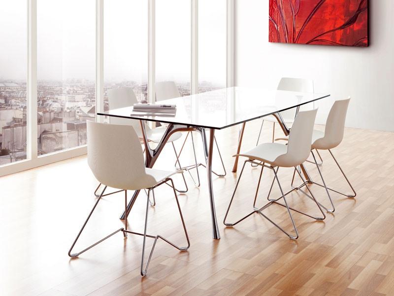 Kaleidos 5, Chaise en métal avec coque en polymère, pour l'usage de contrat