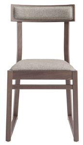 SE 439, Chaise en bois avec assise rembourrée