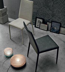 Skinny, Chaise entièrement recouverte de cuir