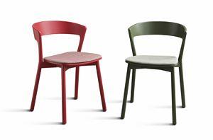 ART. 0071-IMB EDITH, Chaise en bois massif verni, avec siège rembourré