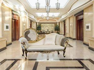 Monet tissu, Méridienne de luxe en bois avec des finitions en or, baroque