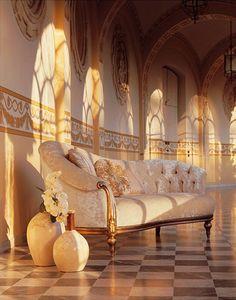Olympia Dormeuse, , Garniture argent Chaise longue sculpté à la main