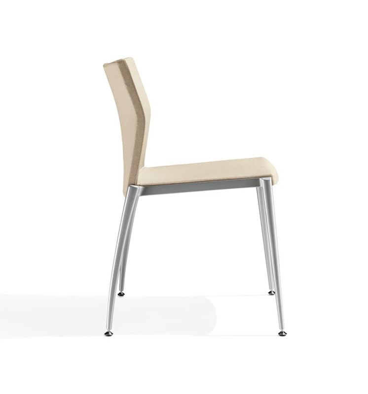 Kalla, Linear chaise avec structure en aluminium