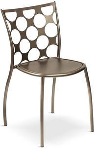 Julie cerchi, Chaise en métal, dossier avec des trous circulaires