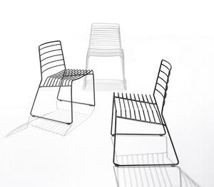 Park, Chaise en tige d'acier, empilable, aussi pour l'extérieur