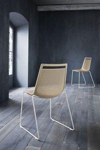 Akami, Chaise en métal, dossier en polymère perforé